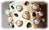 pearls-bangle